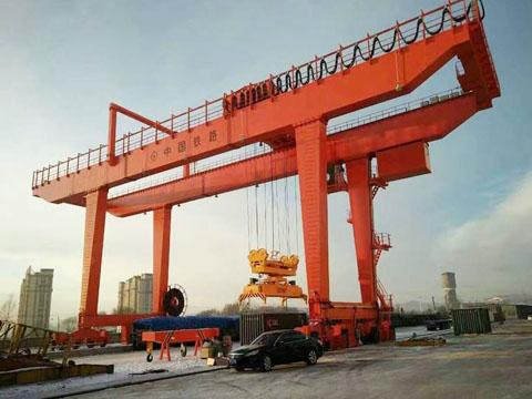 Купить контейнерный козловой кран из Китая